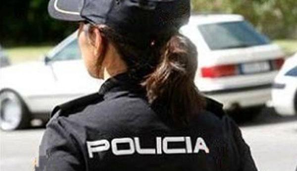 Photo of Mujer policía hace justicia con uno que le quiso robar en el colectivo