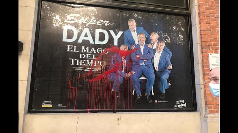 dady-brieva-marquesina-teatro-vandalos-completo